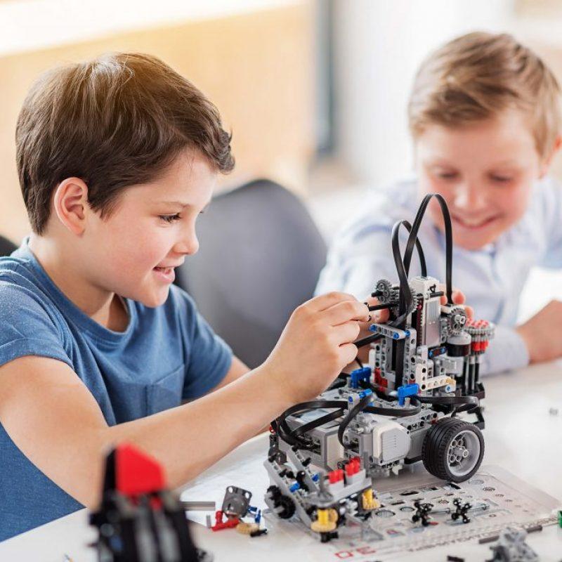 آموزش رباتیک و کدنویسی به کودکان ایرانی خارج کشور